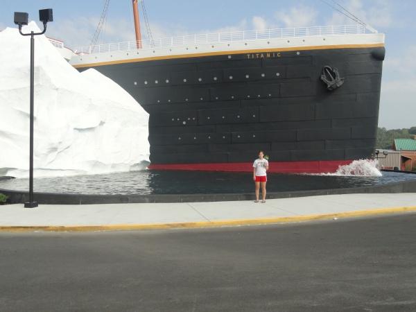 gatlinburg-tennessee-titanic
