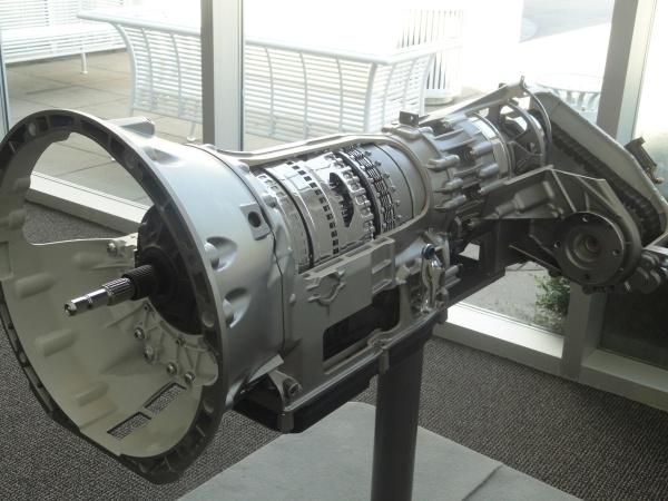 mercedes-engine-2