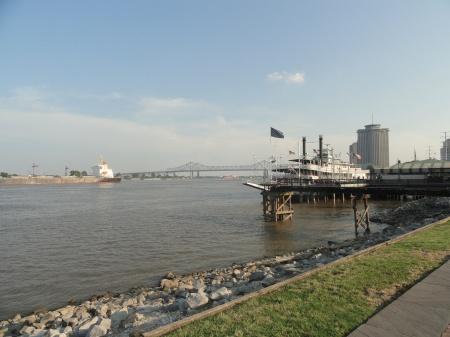 new-orleans-mississippi-river