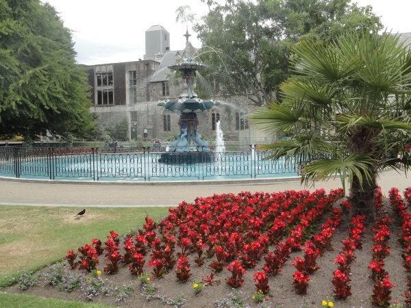 christchurch-botanical-gardens-fountain-flowers