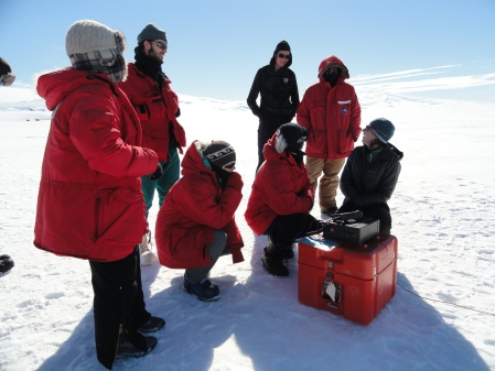hf-radio-calling-south-pole