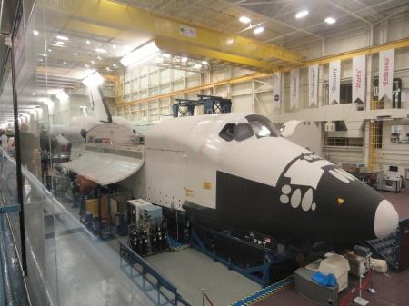 johnson-space-center-shuttle
