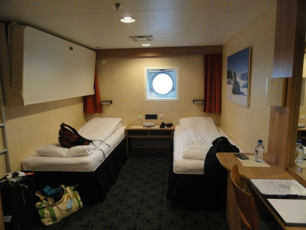 ms-expedition-ship-bedroom