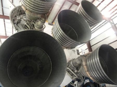 nasa-f1-rocket-engine-cluster-saturn-v