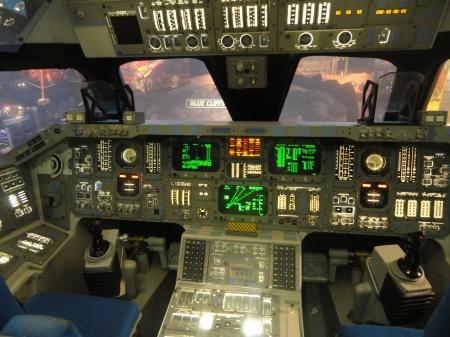 nasa-shuttle-cockpit-mockup-johnson-space-center