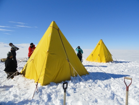 scott-tents-antarctica