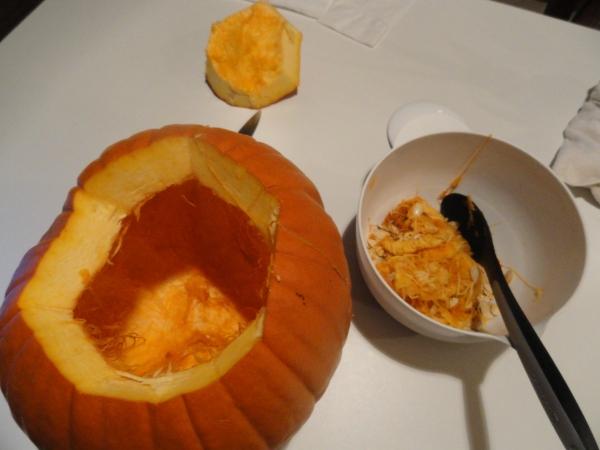 pumpkin-goop-scoop