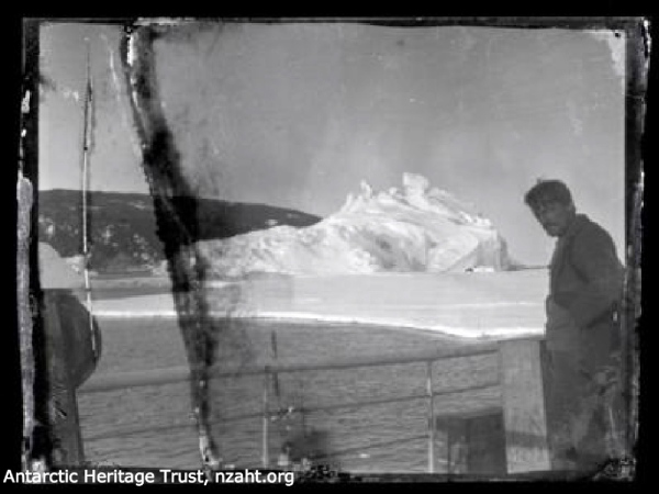 alexander-stevens-on-deck-ross-sea-party-1915