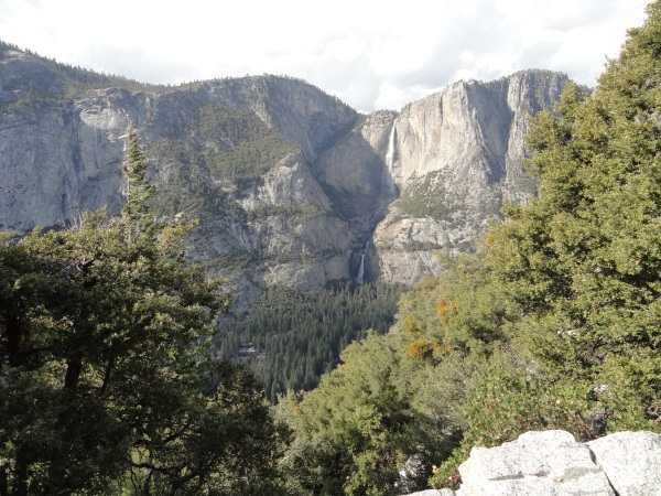 4-mile-hike-yosemite-falls