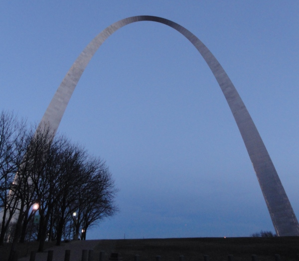 st-louis-arch-gateway-to-the-west