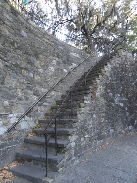 savannah-staircase-river-street