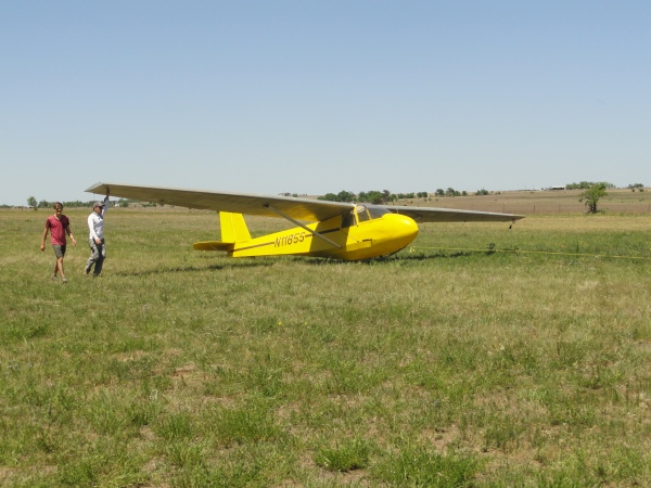 glider-moving-into-position