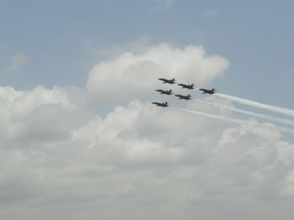 blue-angels-iconic-formation