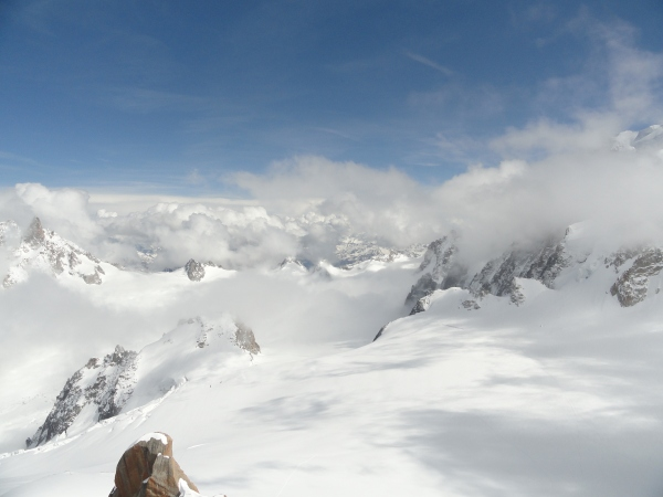 clearing-clouds-top-of-l'aiguille-du-midi