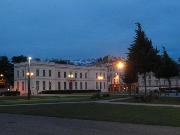 verdun-square-grenoble-france-evening