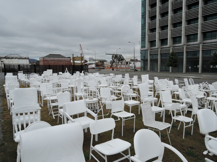 185-white-chairs-earthquake-memorial-christchurch-new-zealand