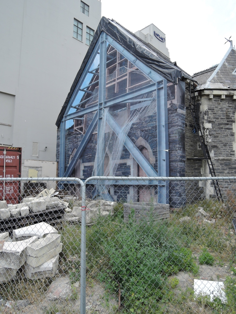 christchurch-new-zealand-church-ruin-mural-art