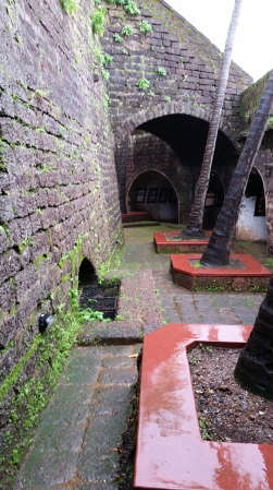 goa_fort_courtyard